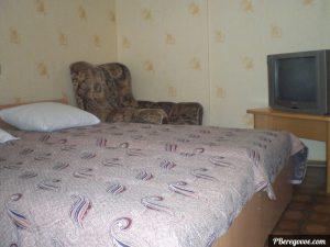 Гостевой дом в Береговом, двухкомнатный номер первый этаж - 1
