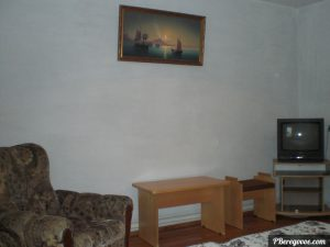 Гостевой дом в Береговом, двухкомнатный номер первый этаж - 2
