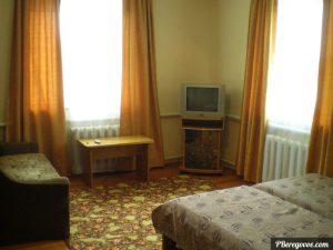 Гостевой дом в Береговом, двухкомнатный номер второй этаж - 1