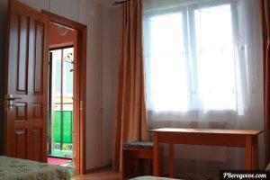 Двухкомнатный номер отдельный домик второй этаж -4