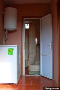 Двухкомнатный номер отдельный домик второй этаж -5
