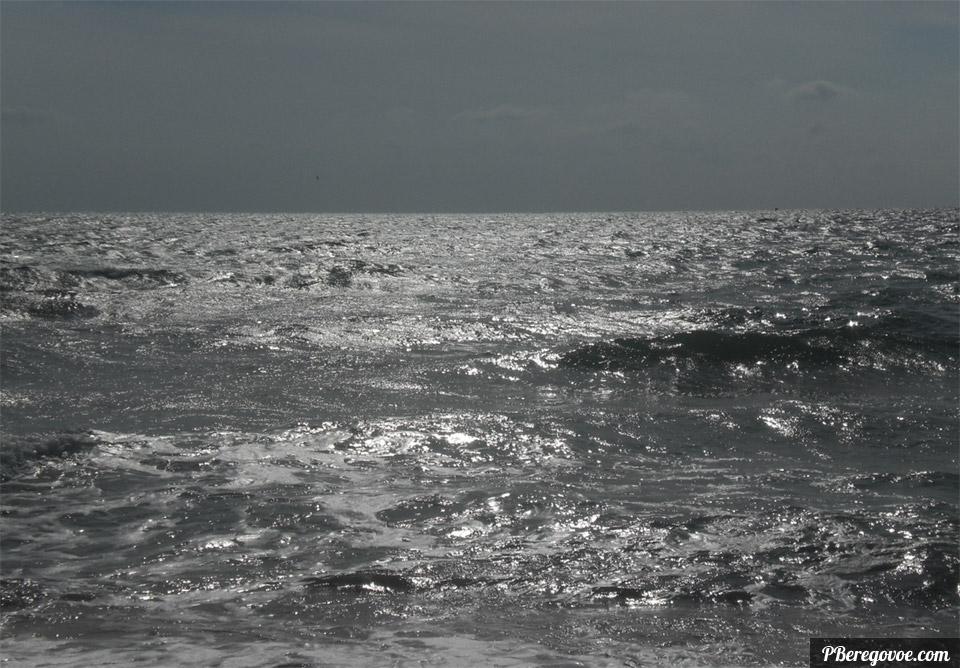 море в шторм